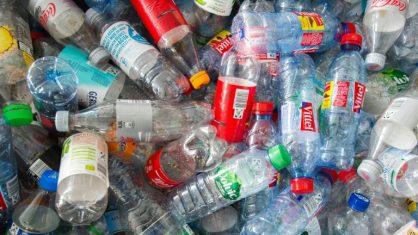 Covas sanciona lei que proíbe plástico descartável em bares e restaurantes de SP