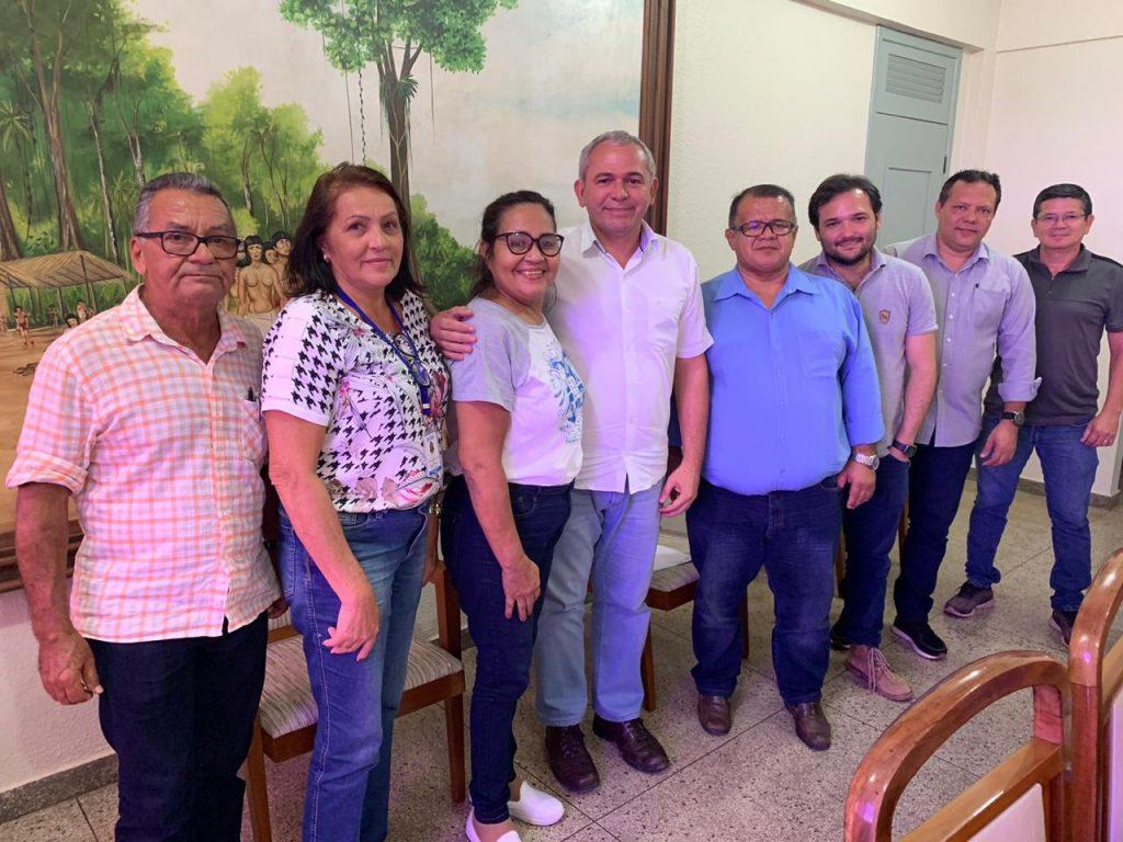 Prefeito  Nélio Aguiar atende representantes do Bairro Urumari